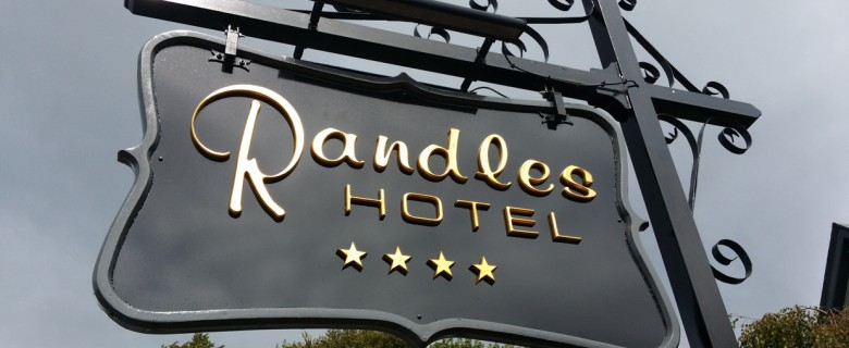 Exterior Hotel Signs
