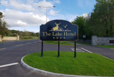 Lake Hotel