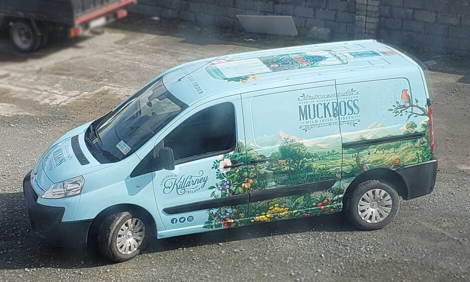 Muckross Gin Van Wrap